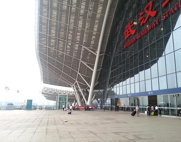 武汉火车站管桁架加工安装