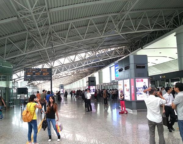 广州白云机场候机大厅管桁架加工厂家安装