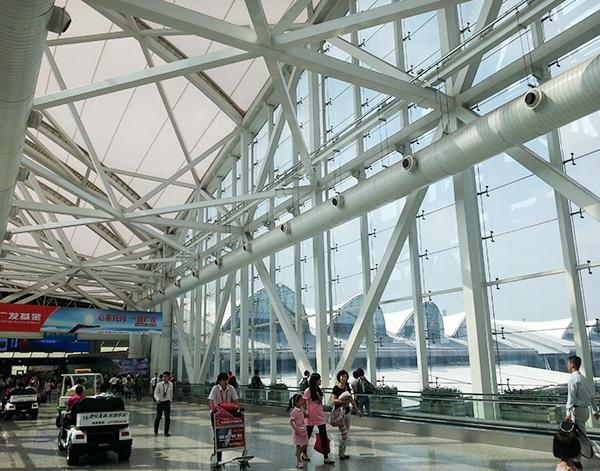 广州白云机场管桁架安装