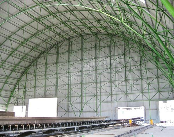 沙特水泥厂原料库管桁架安装