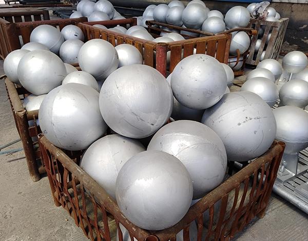 网架厂家焊接空心球
