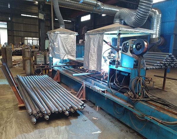 网架厂家加工杆件自动焊接