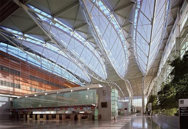佳木斯机场候机楼大厅-网架厂家
