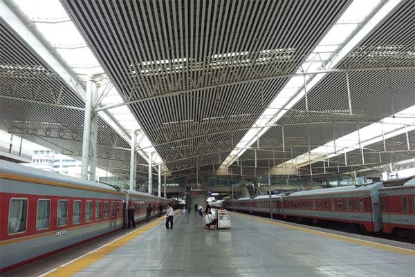 徐州高铁站雨棚管桁架工程-网架厂家